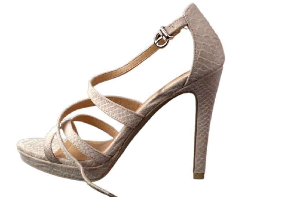 Come scegliere le scarpe per un vestito per sembrare elegante?
