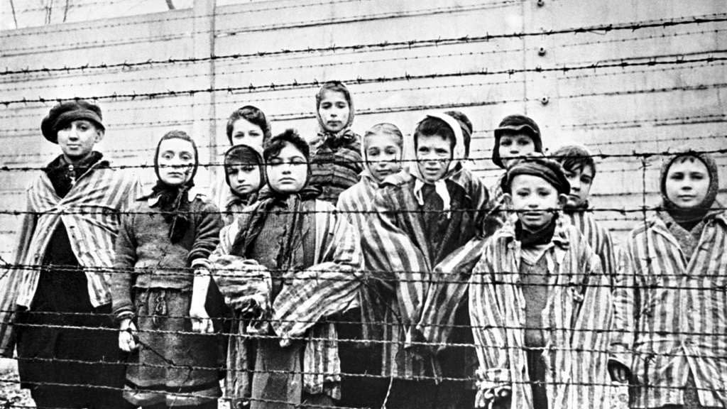 La shoah - lo sterminio degli ebrei